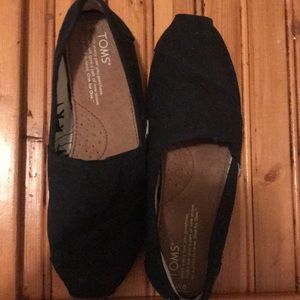 Gently used black TOMS
